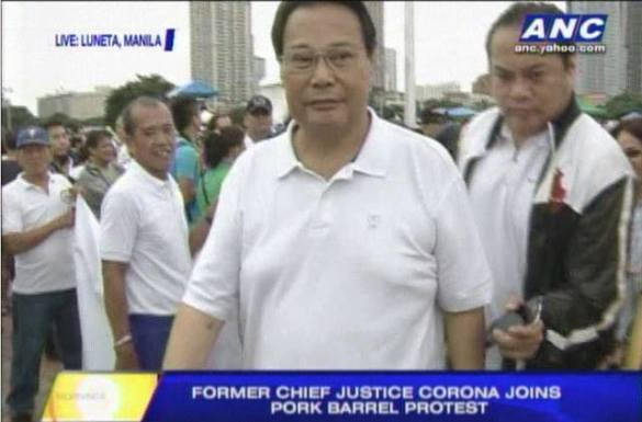 Ex-Chief Justice Corona BOOED out of LUNETA RALLY