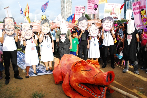 Anti Pork Barrel Rally – Luneta, September 13, 2013 - Masks and Pork Effigy to show SHOCK, ANGER and INDIGNATION at GRAFT and CORRUPTION