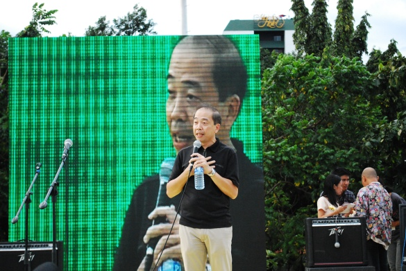 Anti Pork Barrel Rally – Luneta, September 13, 2013 - NBN-ZTE whistleblower Jun Lozada shows support to abolish pork