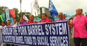 Clergy united against pork barrel (Sept 13, 2013, Luneta rally)