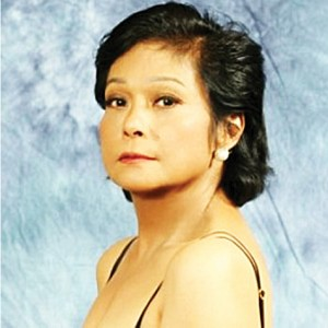 Internationally acclaimed Filipina actress and singer Nora Aunor, SUPERSTAR, not good enough for President Aquino  as Philippine National Artist.