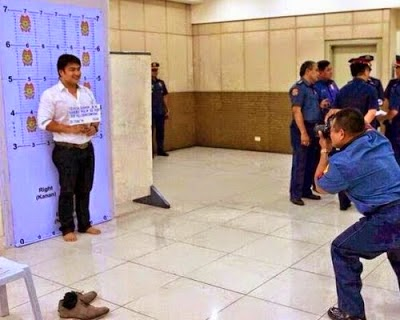 Celebrity photo goes viral. Philippine Senator and Movie Idol Bong Revilla goes to JAIL for the PLUNDER of public funds. http://wp.me/p3QDQJ-EV