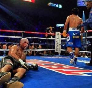 The dream of the Filipino nation - Floyd Mayweather down and out