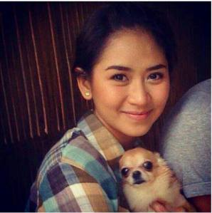sarah g with dog