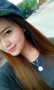 Kim Ilagan: One person, a thousand feelings Car Show Models Philippines page admin