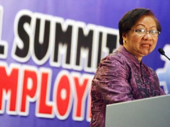 cmcc Labor Secretary Rosalinda Baldoz